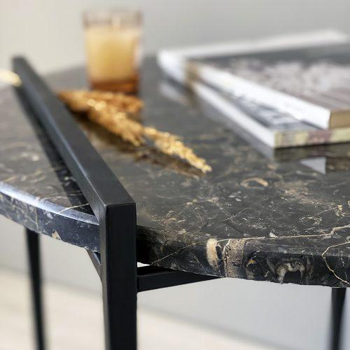 میز کنار گرد